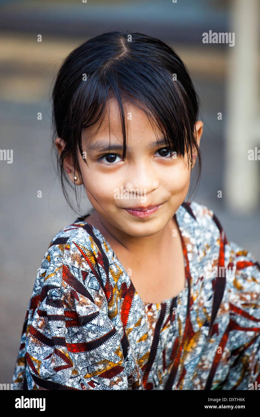 middle-myanmar-girl-naked-mon-sex