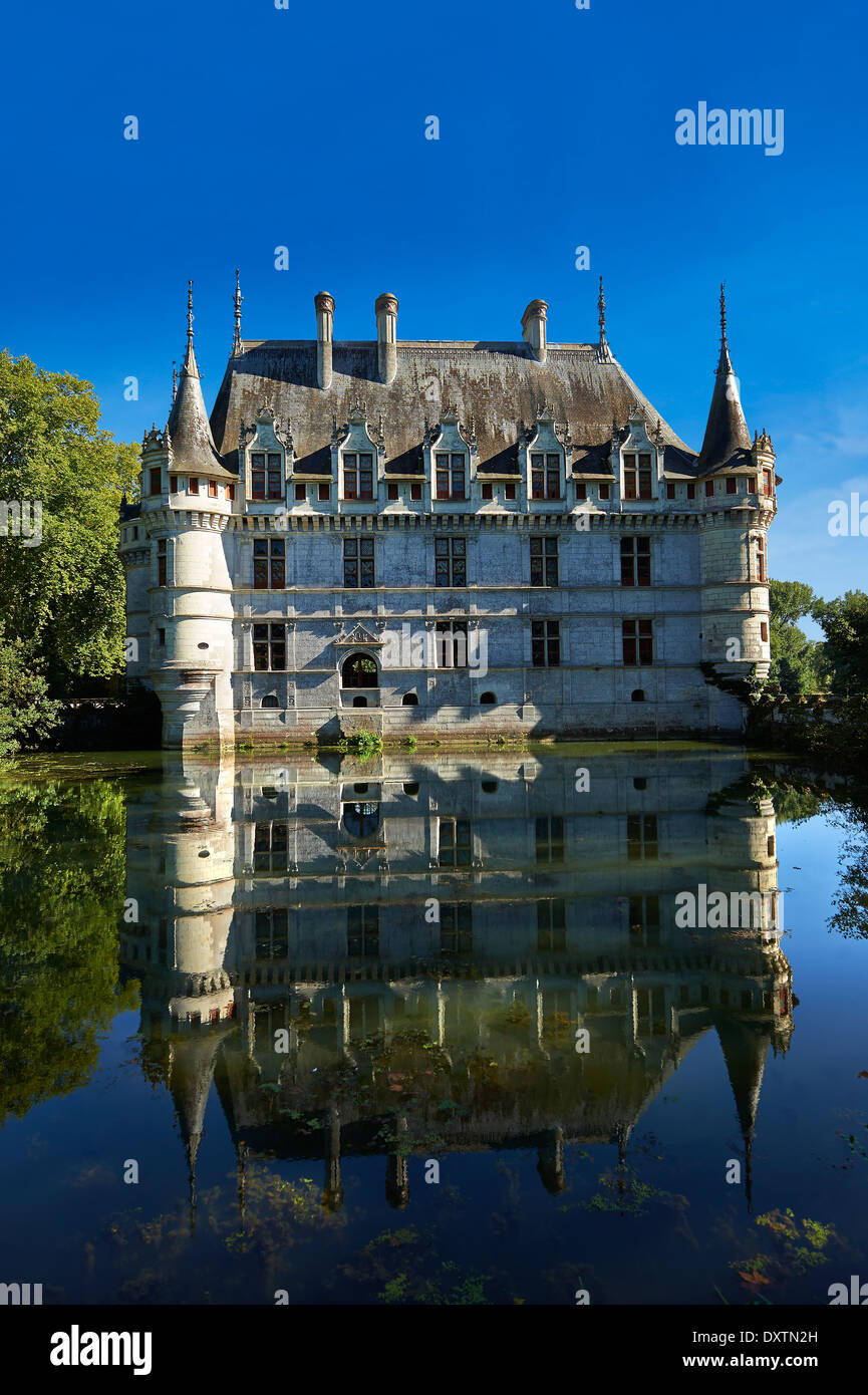 Exterior of the Renaissance Château d'Azay-le-Rideau with its River Indre moat, Built between 1518 and 1527, Loire Valley France - Stock Image