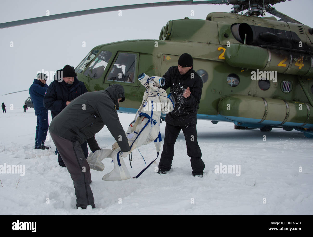 Expedition 38 Soyuz TMA-10M Landing - Stock Image