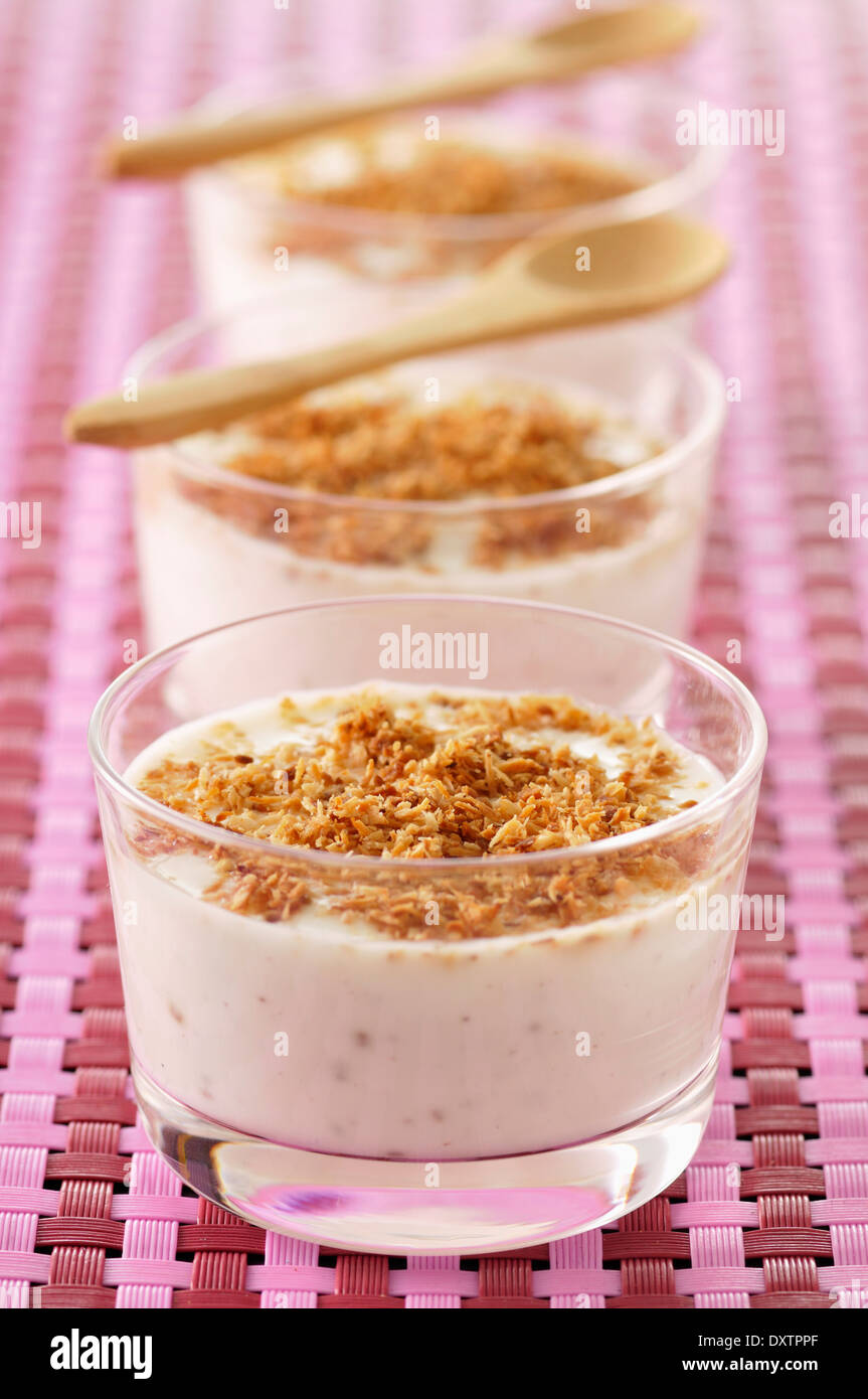Fromage blanc with grilled coconut - Stock Image