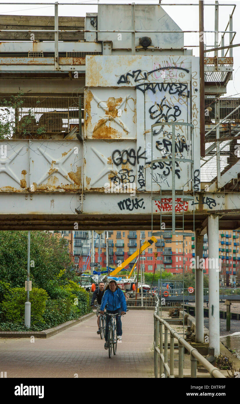 industrial river machinery on Thames Path, London - Stock Image