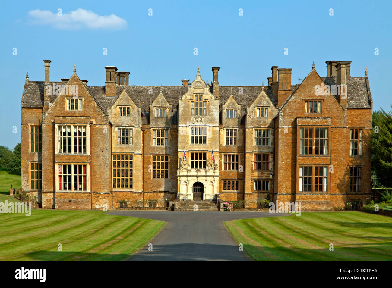 Frontal view of Wroxton Abbey, a Jacobean house, Wroxton, Oxfordshire, England, Great Britain. - Stock Image