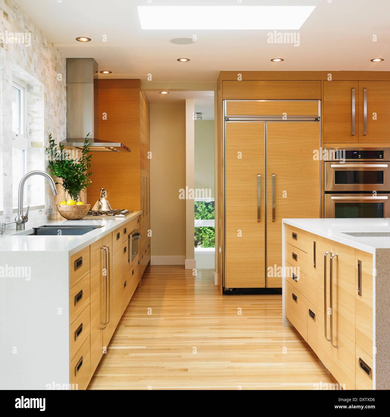 Kitchen Cabinet Doors Vancouver Bc: Oak Kitchen Cabinets Stock Photos & Oak Kitchen Cabinets