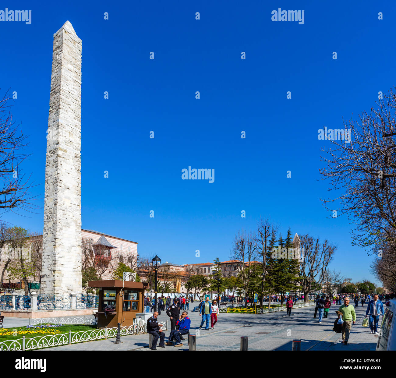 View down the Hippodrome (At Meydani) with the Serpentine Column in the foreground, Sultanahmet district, Istanbul,Turkey - Stock Image