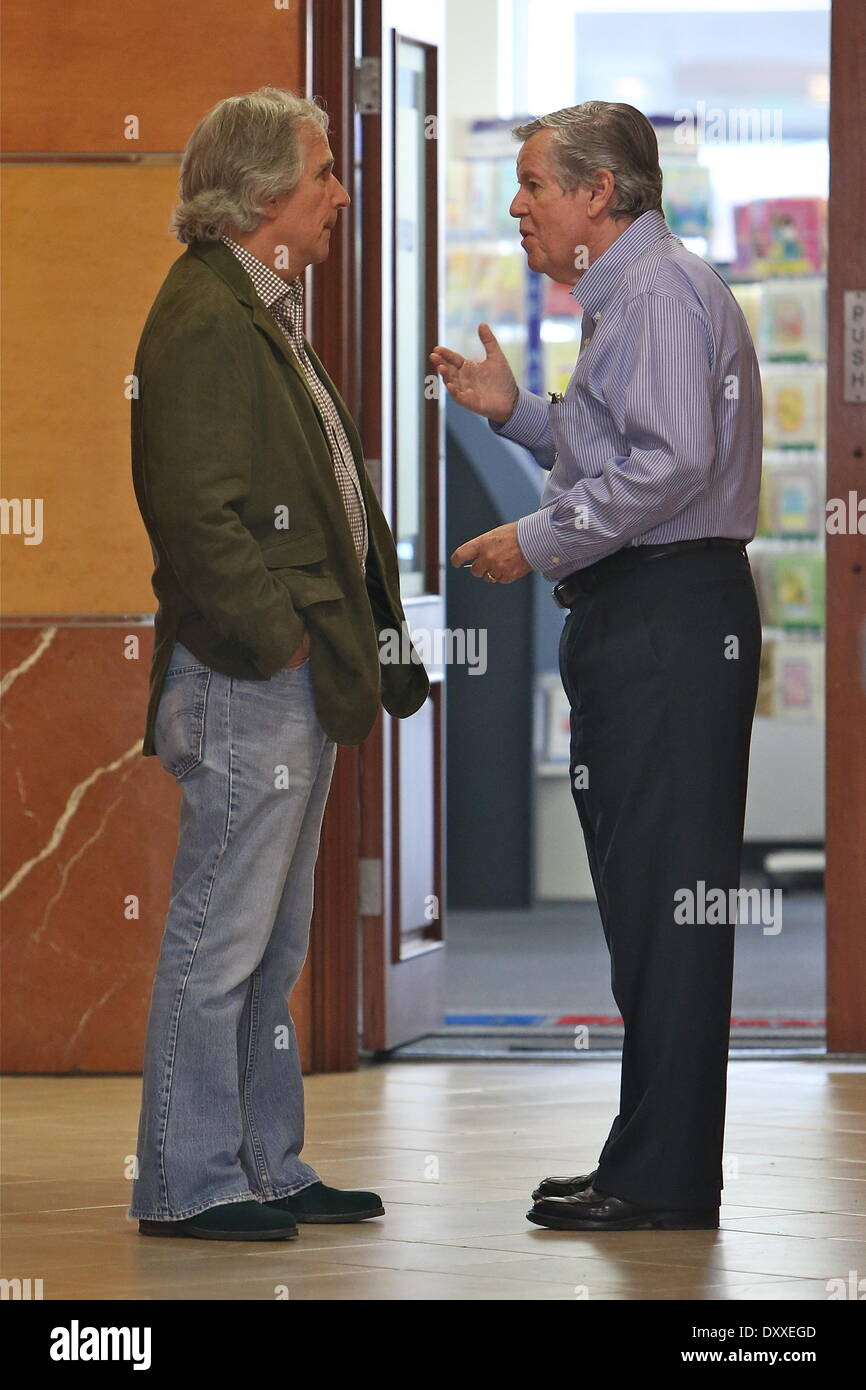 Henry Winkler saying goodbye to a friend after the two ate lunch at E Baldi in Beverly Hills Los Angeles California - 06.12.12 Featuring: Henry Winkler When: 06 Dec 2012 - Stock Image