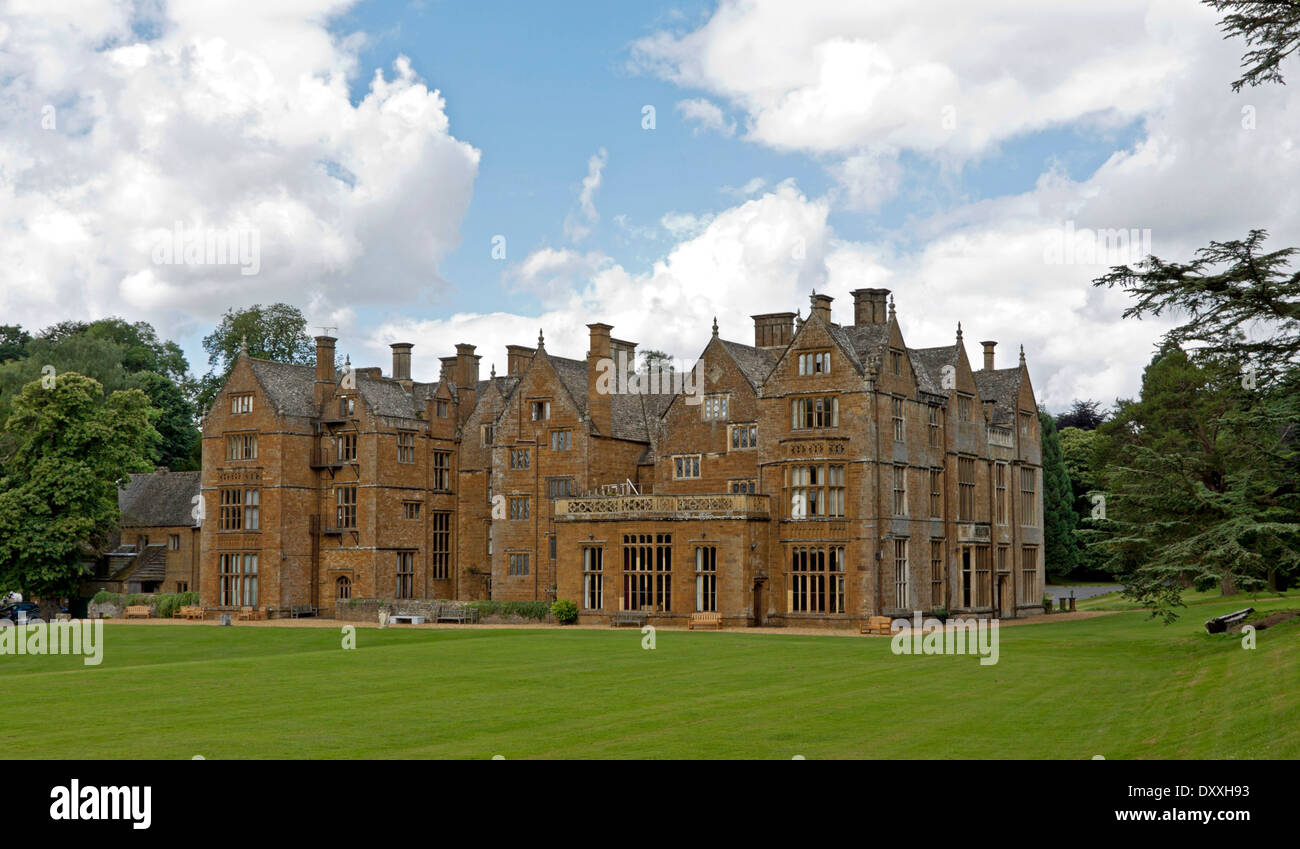 Rear view of Wroxton Abbey, a Jacobean house, Wroxton, Oxfordshire, Great Britain. - Stock Image