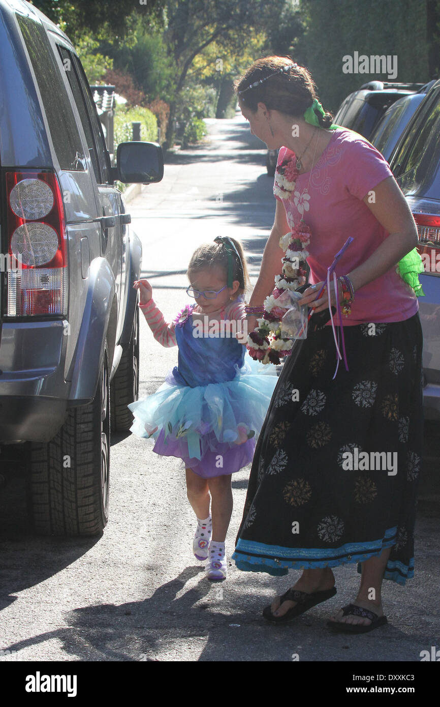 Seraphina Affleck Jennifer Garner and her daughters attend a birthday party in Brentwood Los Angeles California - 15.12.12 Featuring: Seraphina Affleck When: 15 Dec 2012 - Stock Image
