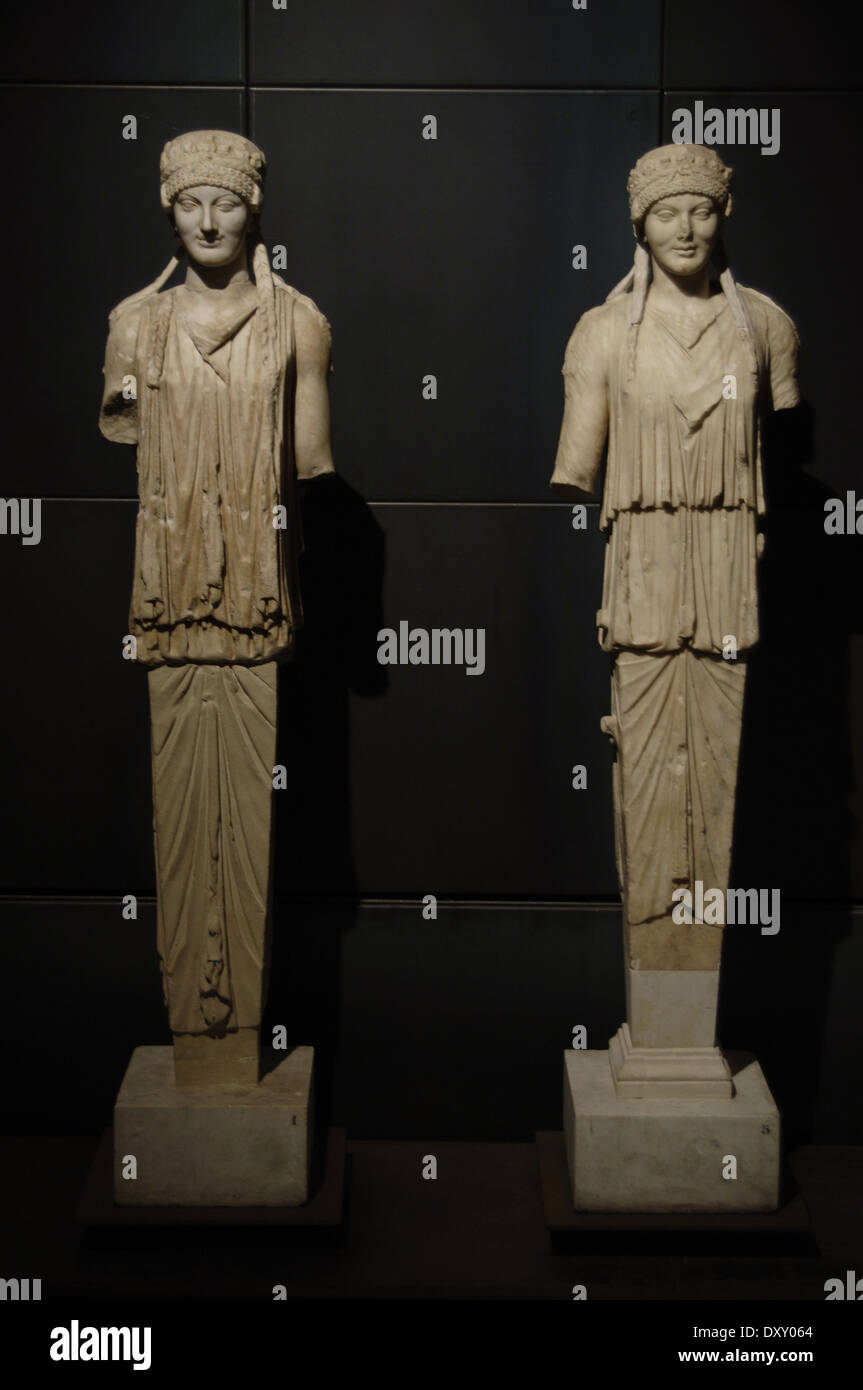 Roman Art. Italy. Herma of Caryatid. Pentelic marble. Archaic style. Augustan age. - Stock Image