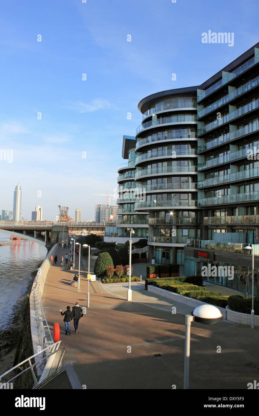 Chelsea Bridge Wharf Luxury Apartments Beside The River Thames, Battersea,  London, UK