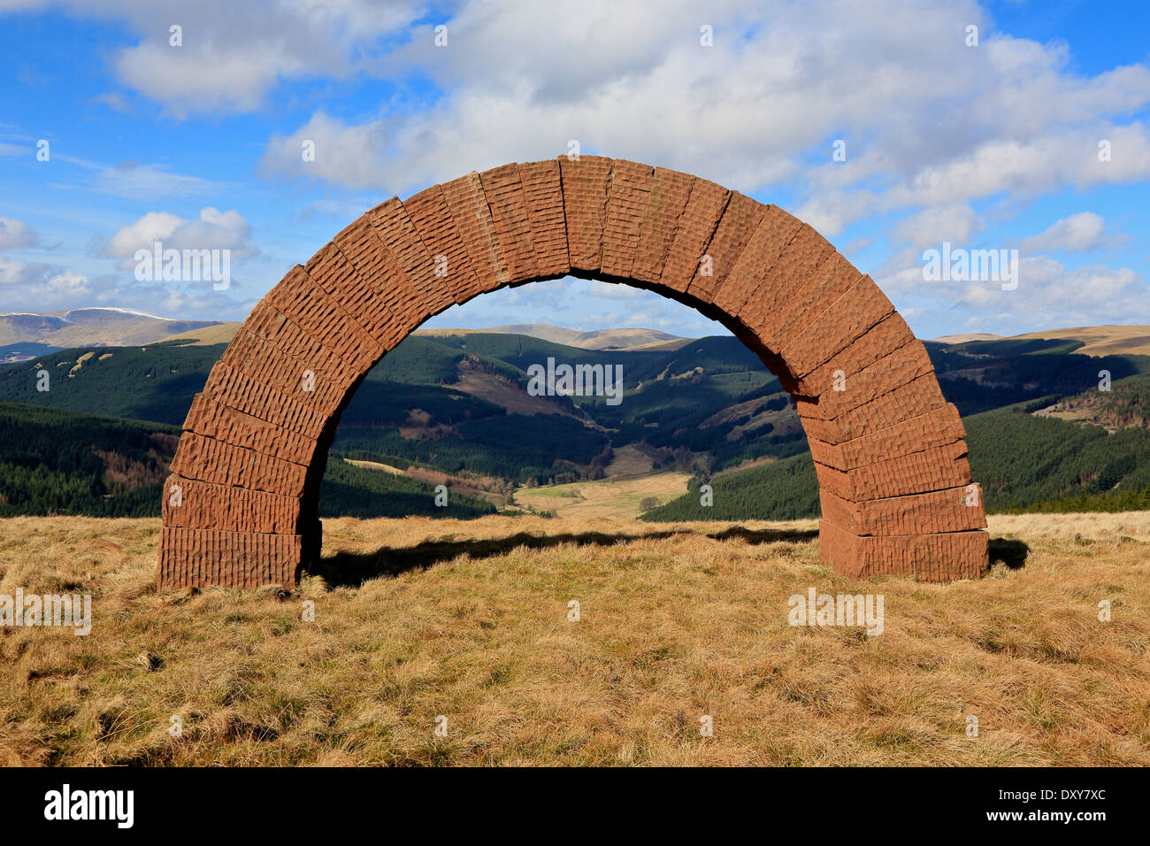 Bail Hill Arch Cairnhead, Dumfries and Galloway, Scotland, UK. The arch is part of Andy Goldsworthy's 'Striding Arches' - Stock Image