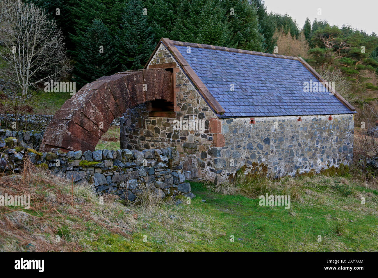 The Byre Arch, Cairnhead, Dumfries and Galloway, Scotland, UK. The arch is part of Andy Goldsworthy's 'Striding Arches' - Stock Image