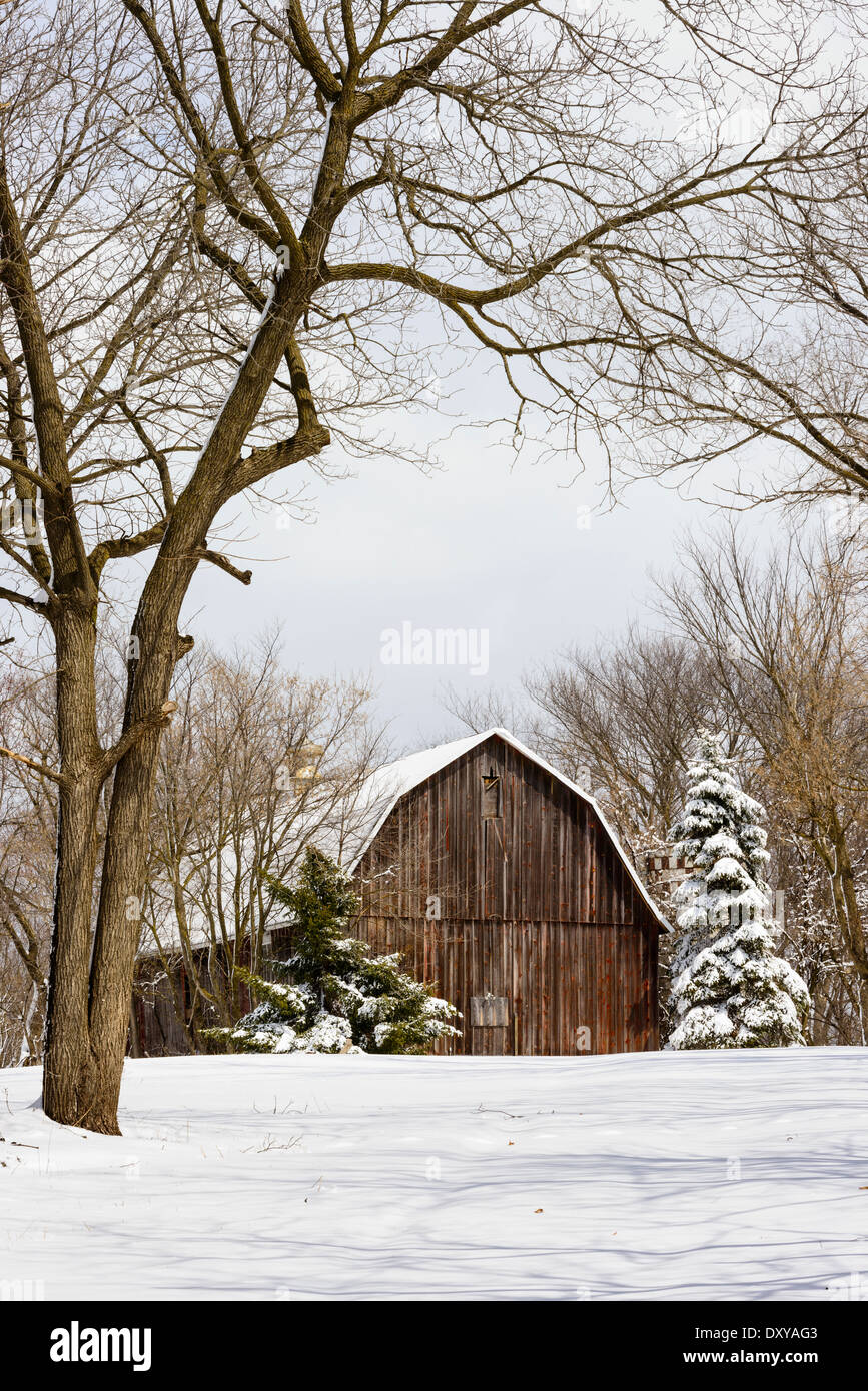 Red Barn In Snow Stock Photos & Red Barn In Snow Stock Images - Alamy