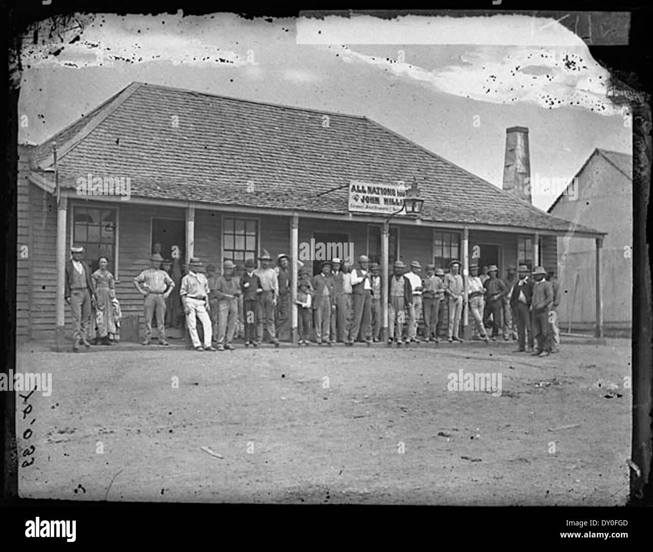 All Nations Hotel (J. Williams proprietor), Clarke Street, Hill End, 1871-1875 / American & Australasian Photographic Company - Stock Image