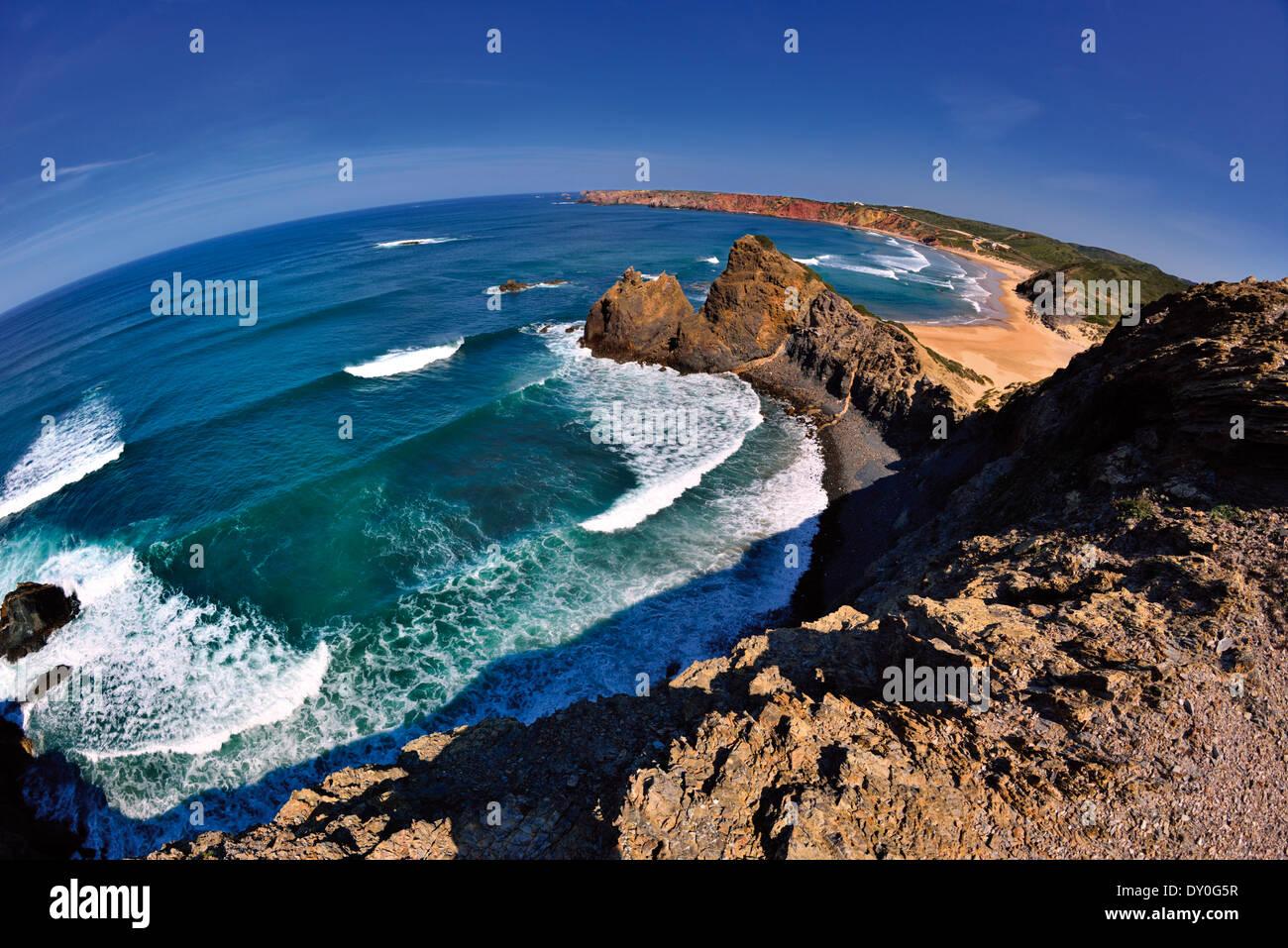 Portugal, Algarve: Fisheye view of the coast around Carrapateira - Stock Image