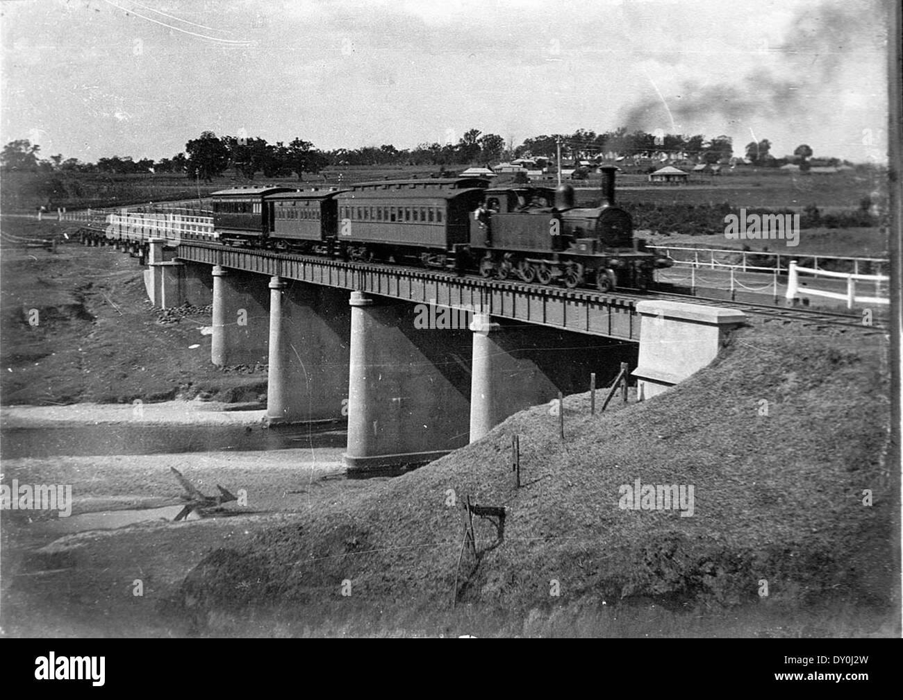 20 class tank engine and suburban passenger train, Camden, ca. 1930 / photographer unknown - Stock Image