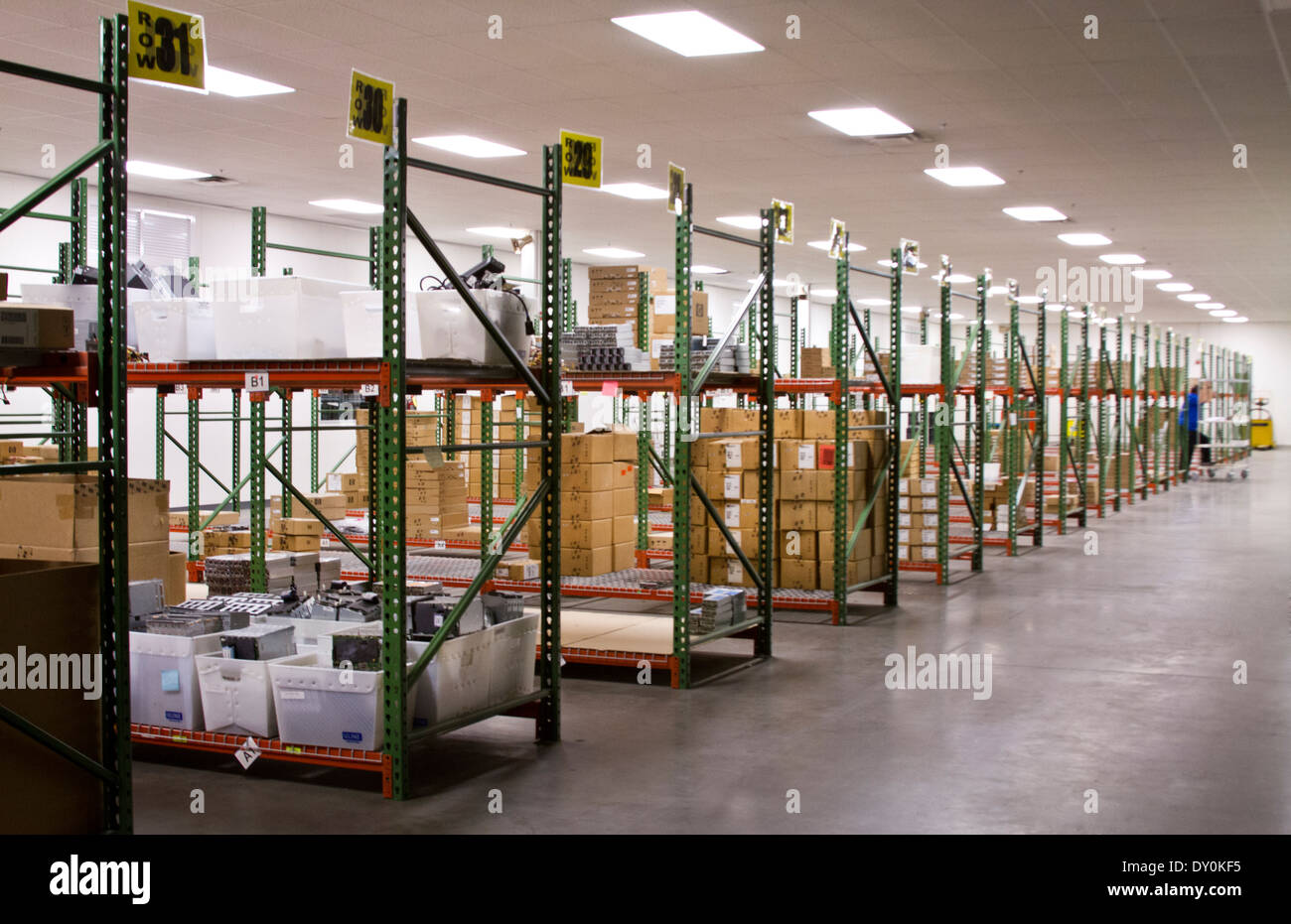 Warehouse at an HP computer technology services business - Stock Image