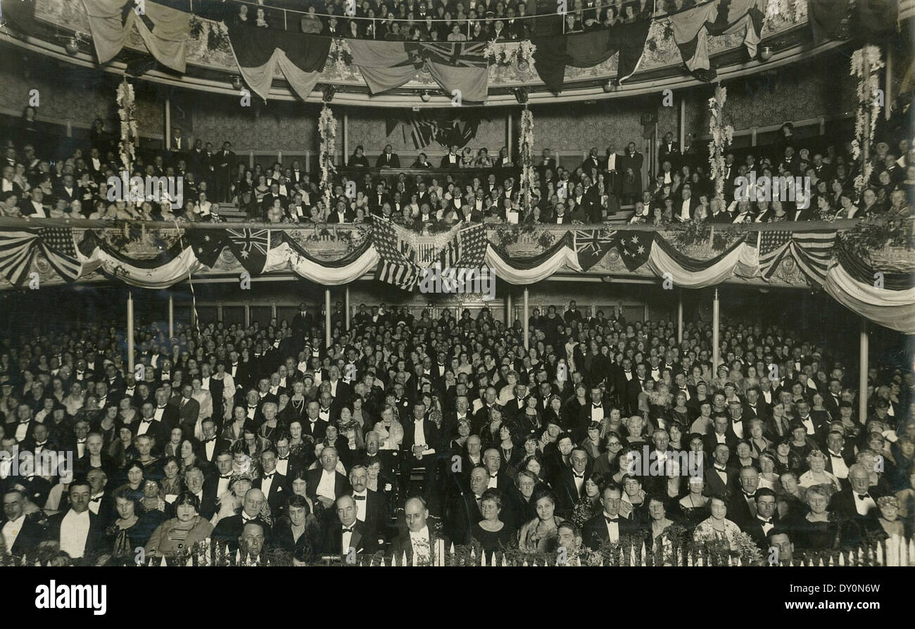 Her Majesty's Theatre, Sydney, decorated for the visit of the US Fleet, July-August 1925 / photographer unknown - Stock Image
