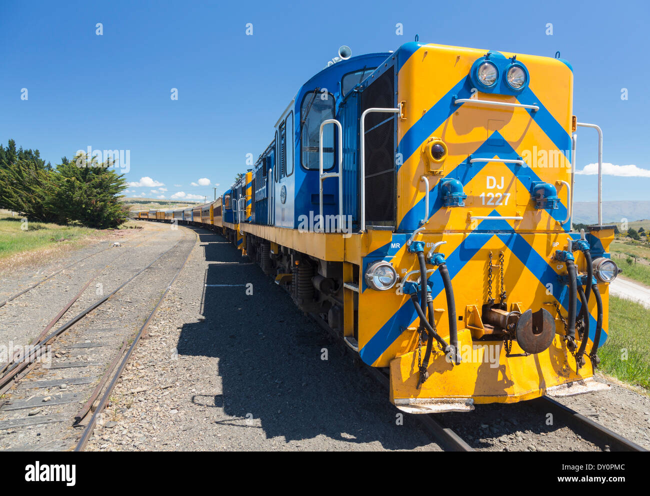 Taieri Gorge railway train, New Zealand - a diesel electric DJ class locomotive - Stock Image
