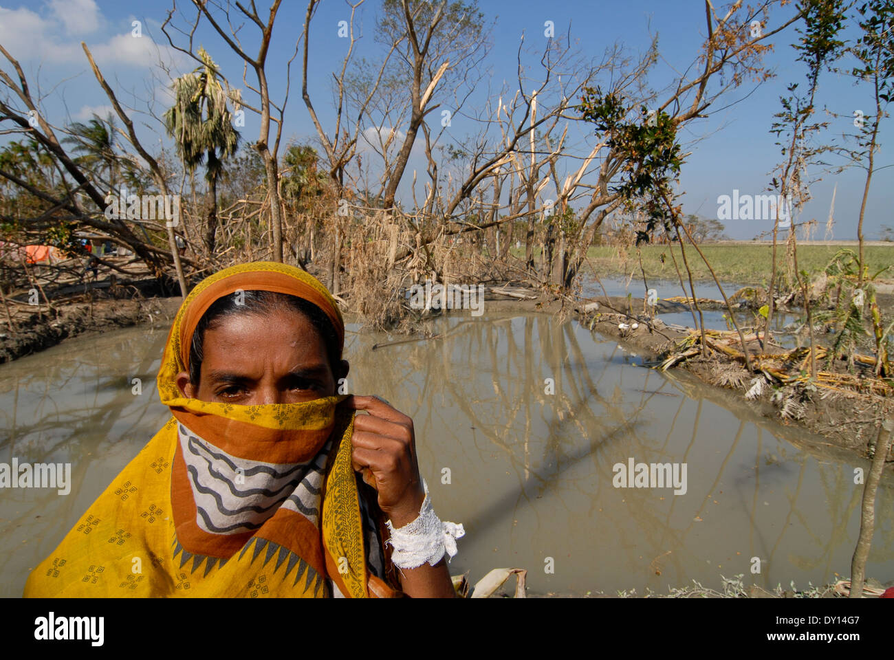 BANGLADESH District Bagerhat , cyclone Sidr and high tide destroy villages in South khali - Stock Image