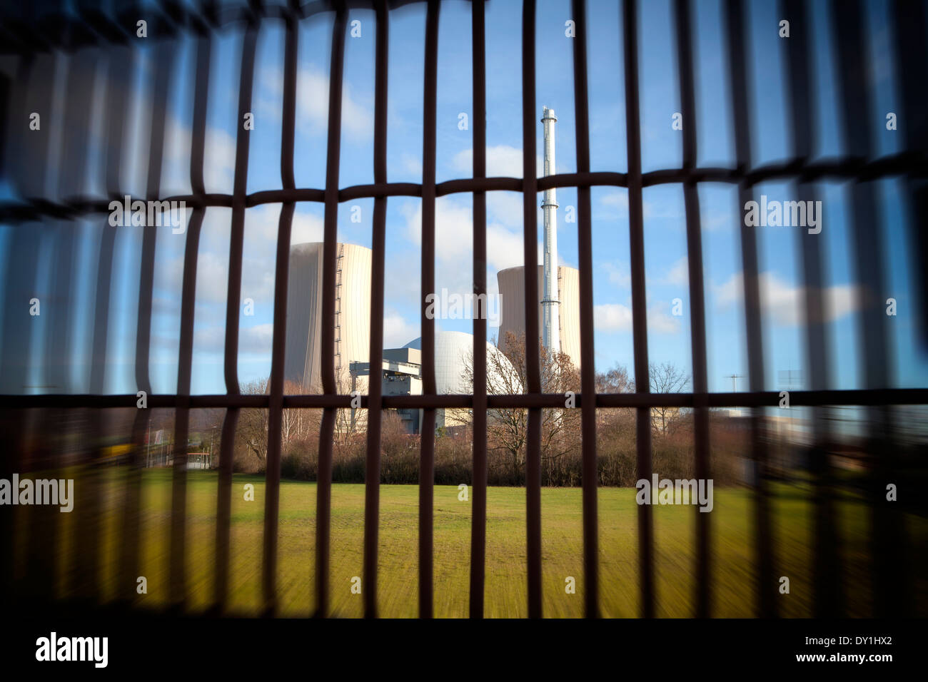 security fence, Grohnde Nuclear Power Plant, Emmerthal, Hameln, Lower Saxony, Germany, Europe - Stock Image