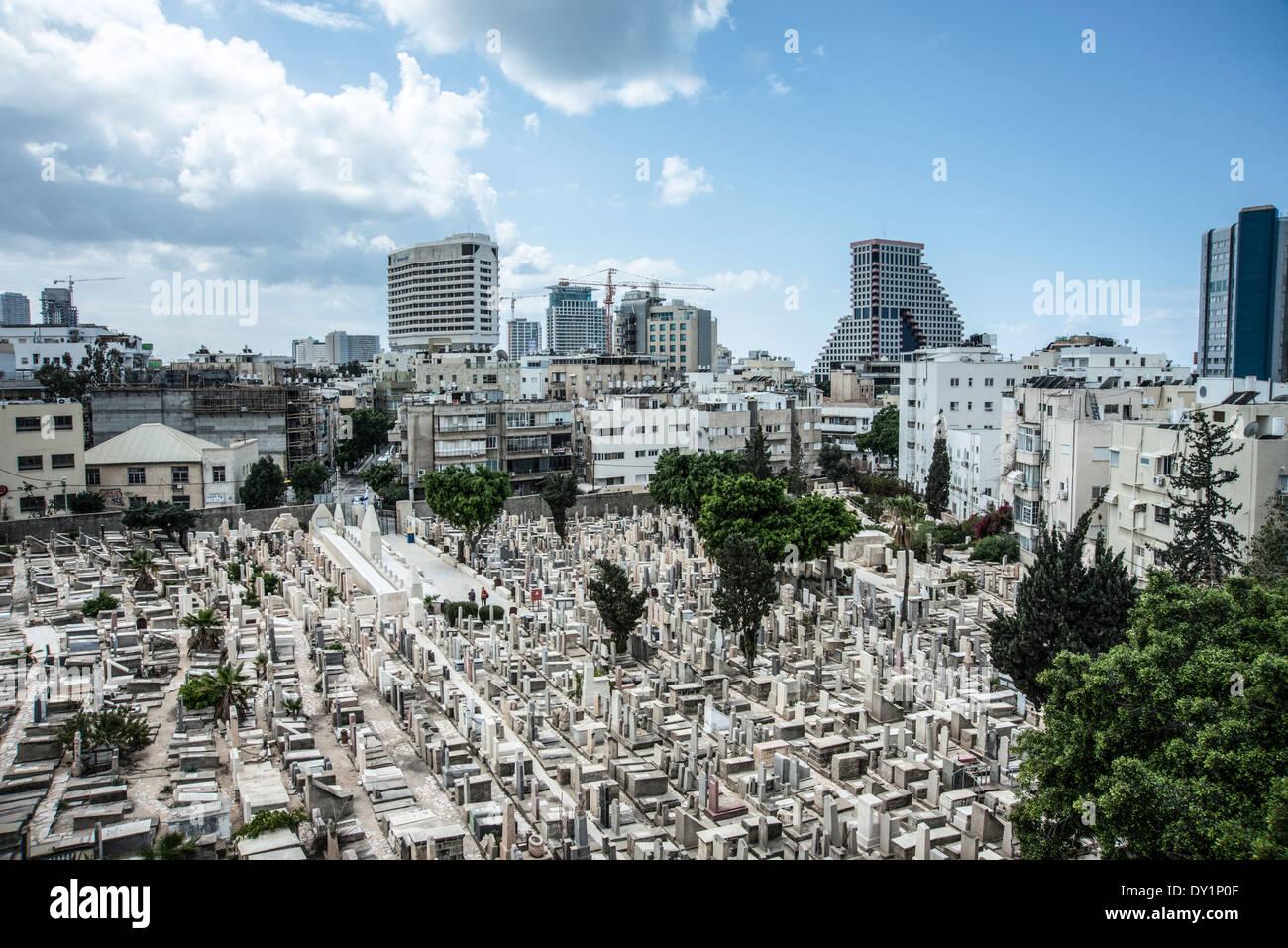 Elevated view of the old cemetery in Trumpeldor street, Tel Aviv, Israel - Stock Image