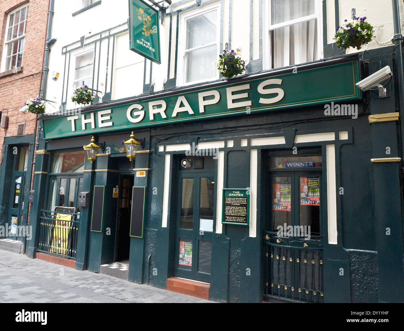 The Grapes pub in Mathew Street Liverpool UK - Stock Image