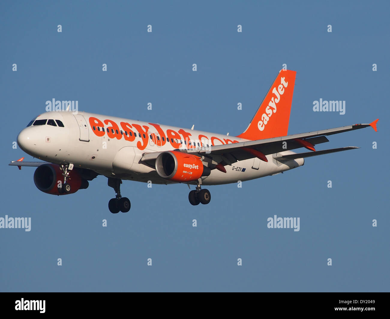 G-EZII easyJet Airbus A319-111 - cn 2471, AMS Amsterdam (Schiphol), pic1 - Stock Image