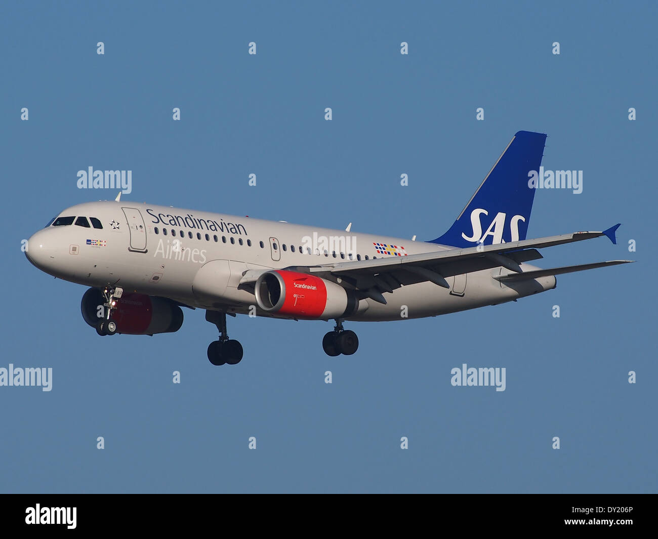 OY-KBR SAS Scandinavian Airlines Airbus A319-131, landing on Schiphol, pic-1 - Stock Image
