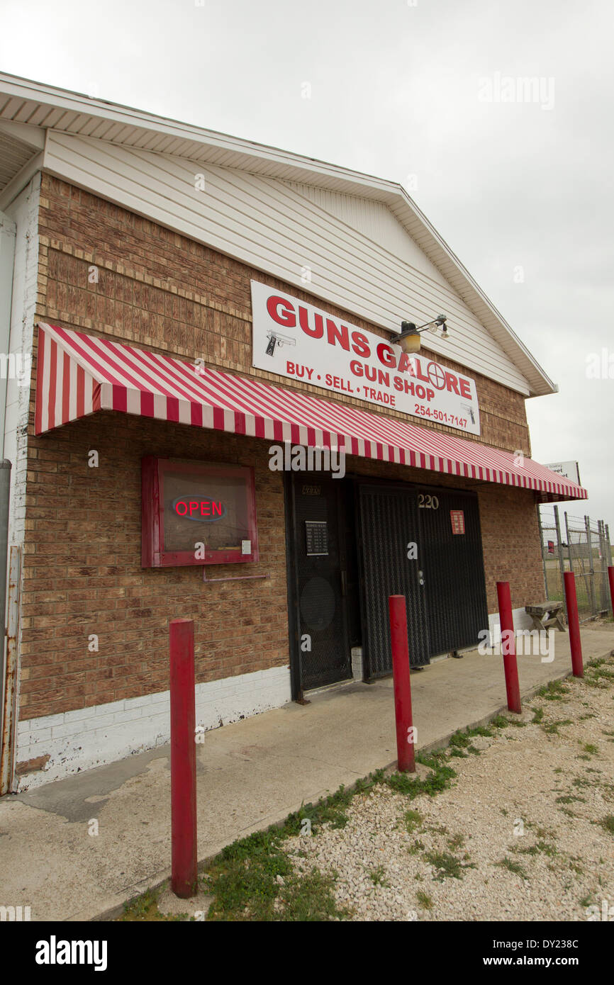 Gun store near Fort Hood  Army Post where soldier allegedly bought a handgun before killing 4 at the post. - Stock Image