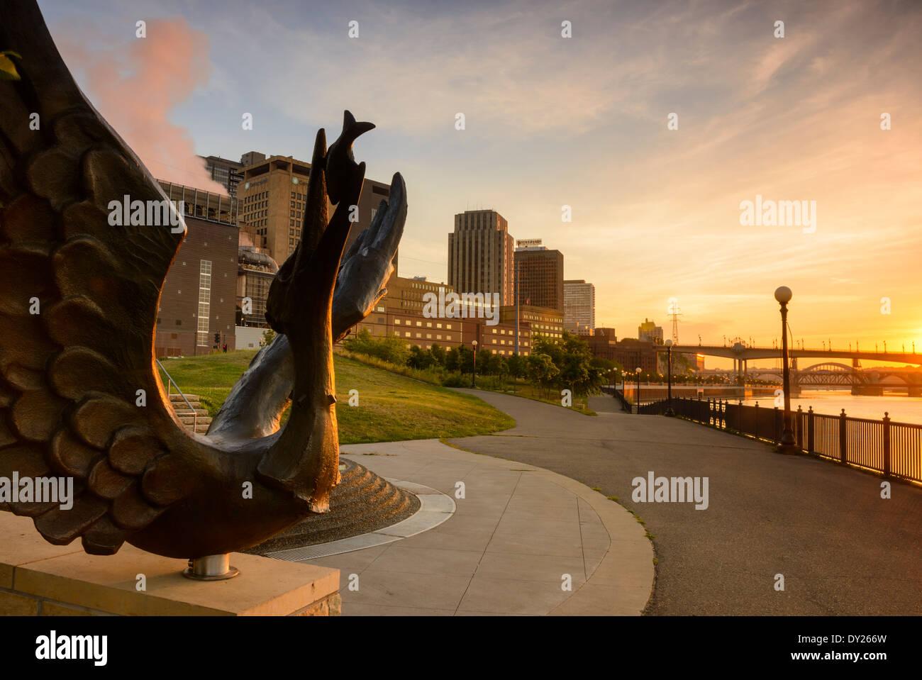 Sculpture along the Mississippi River at Upper Landing Park downtown Saint Paul, Minnesota. - Stock Image