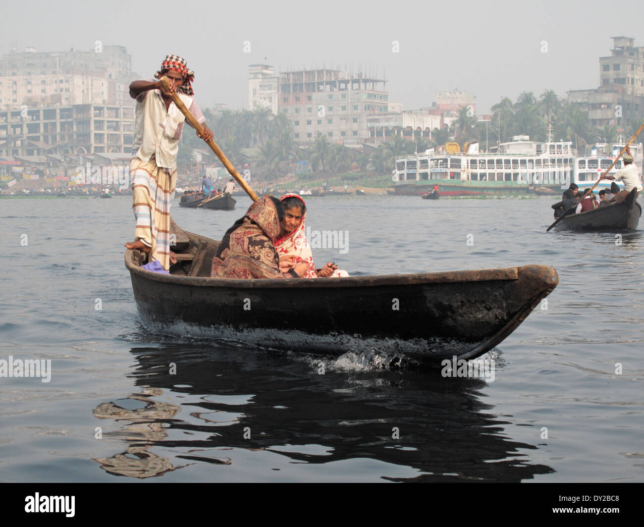 Row boat ferry in Dhaka - Stock Image