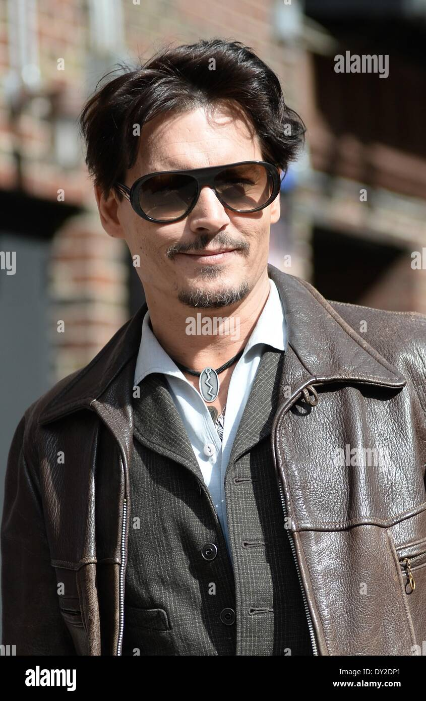 New York, NY, USA. 3rd Apr, 2014. Johnny Depp at talk show appearance for The Late Show with David Letterman - THU, The Ed Sullivan Theatre, New York, NY April 3, 2014. Credit:  Kristin Callahan/Everett Collection/Alamy Live News - Stock Image