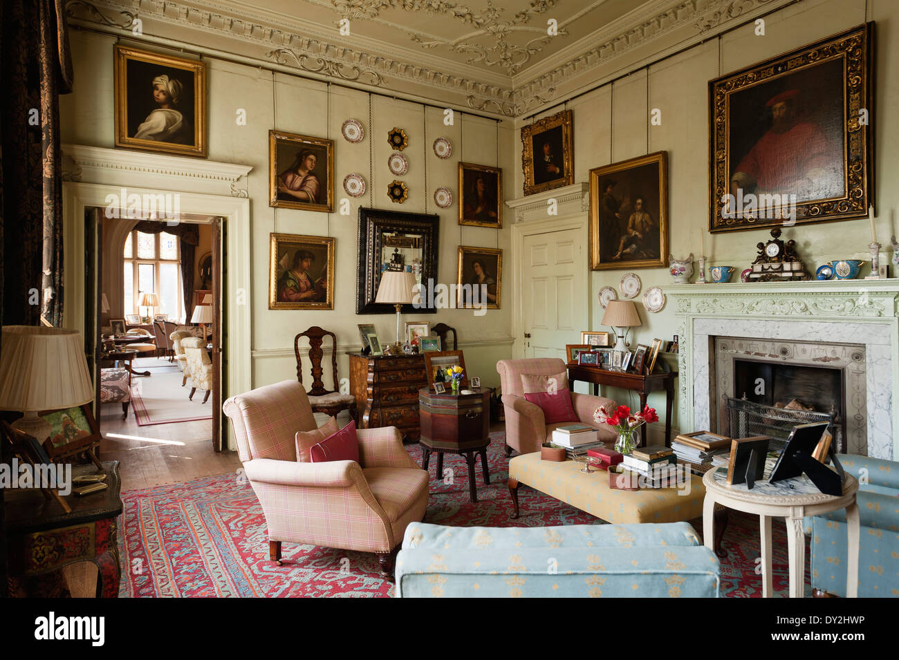 Merveilleux Living Room With Gilt Framed Portraits, Stucco Ceiling And Assorted Antique  Furniture Items   Stock