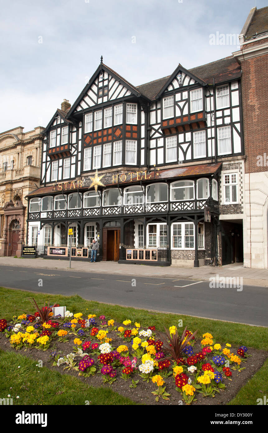 Historic building frontage of the Star Hotel, on North Quay, Great Yarmouth, Norfolk, England - Stock Image