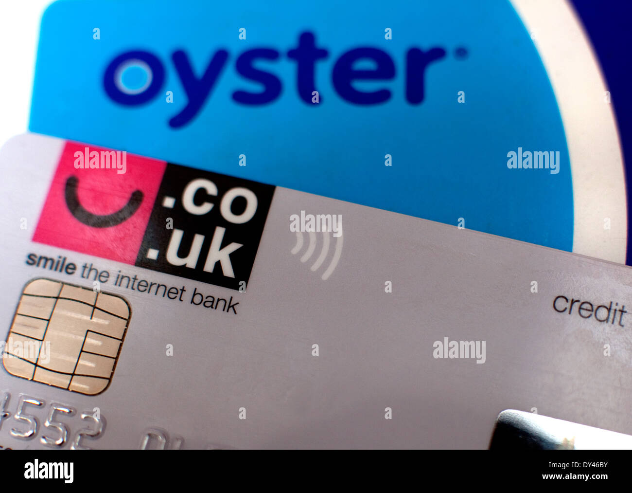 Transport For London warns of 'card clash' between Oyster and banks cards causing double payment - Stock Image