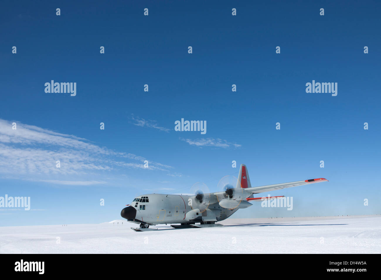 NY Air National Guard plane delivers scientists and supplies to Camp Raven to aid the study of Global Warming - Stock Image
