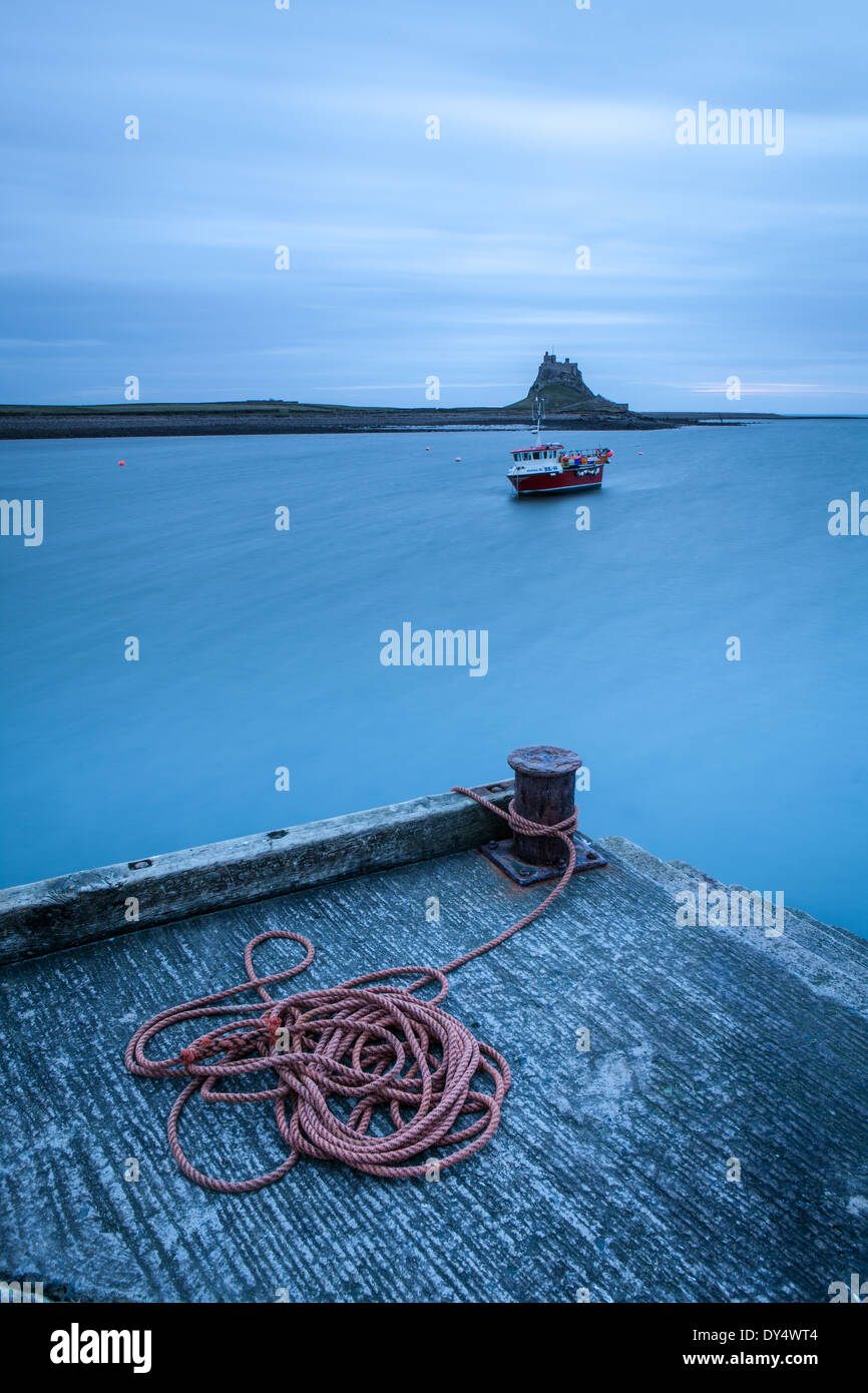Rope and Castle on Holy Island (Lindisfarne) in the Early Morning, England - Stock Image