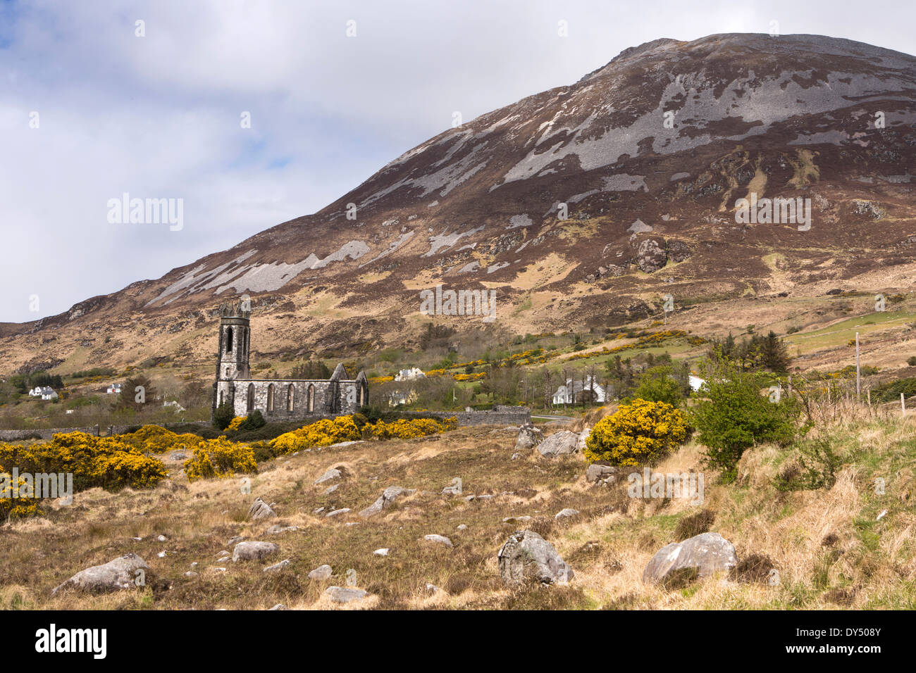 Ireland, Co Donegal, Dunlewey, abandoned Glenveagh Estate Protestant Church below Mt Errigal - Stock Image