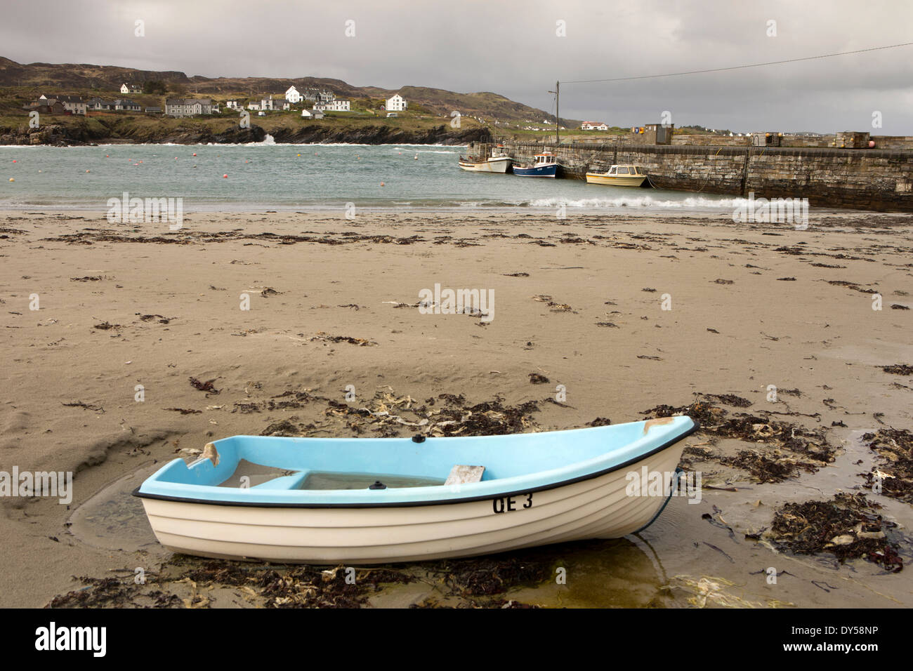 Ireland, Co Donegal, Dunfanaghy, boats in the harbour - Stock Image