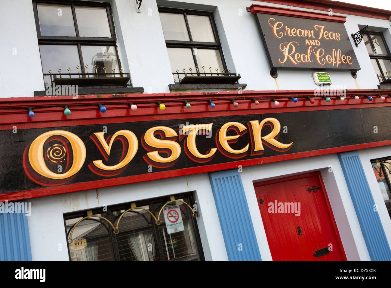 Ireland, Co Donegal, Dunfanaghy, Main Street, Oyster Tea House - Stock Image