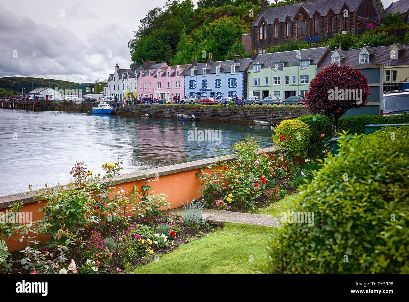 Small seaside garden in Portree Isle of Skye Scotland UK EU - Stock Image