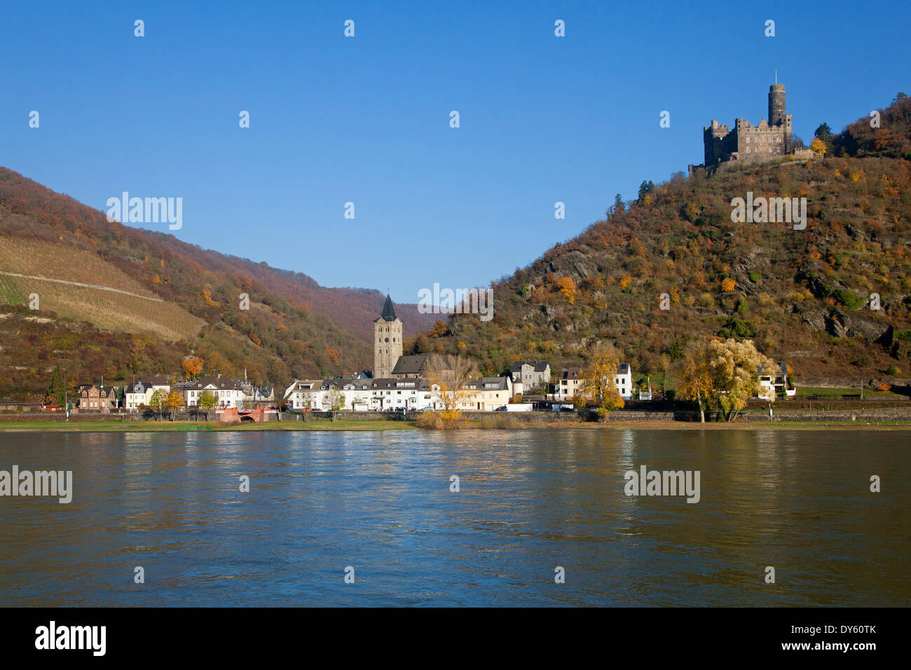 Maus castle above St Goarshausen-Wellmich, Rhine river, Rhineland-Palatinate, Germany Stock Photo