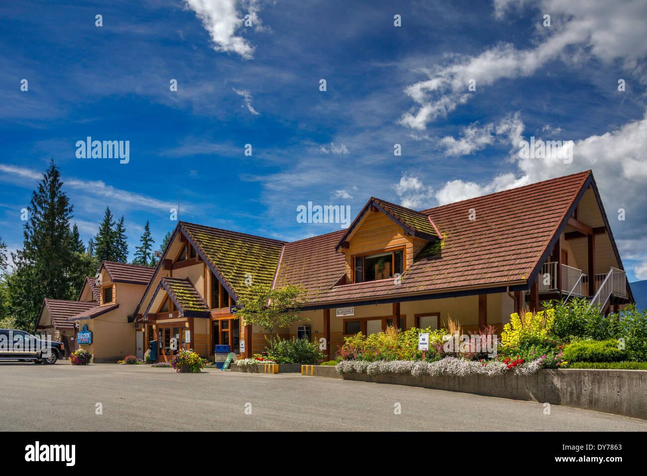 Halcyon Hot Springs, resort and spa over Upper Arrow Lake near Nakusp, West Kootenay Region, British Columbia, Canada - Stock Image