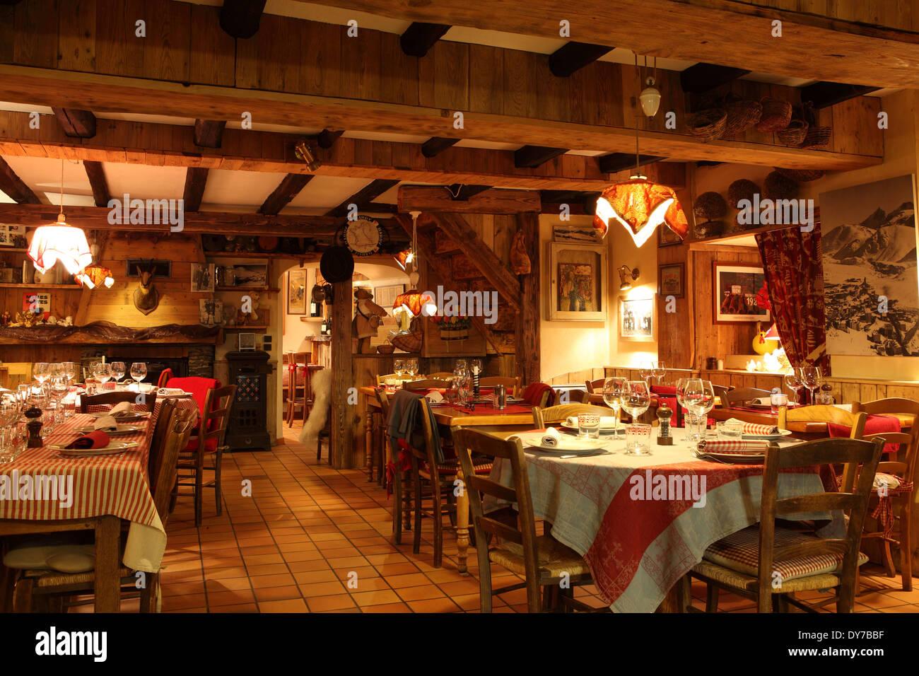 The Au P'tit Creux restaurant in Alpe d'Huez, France. - Stock Image