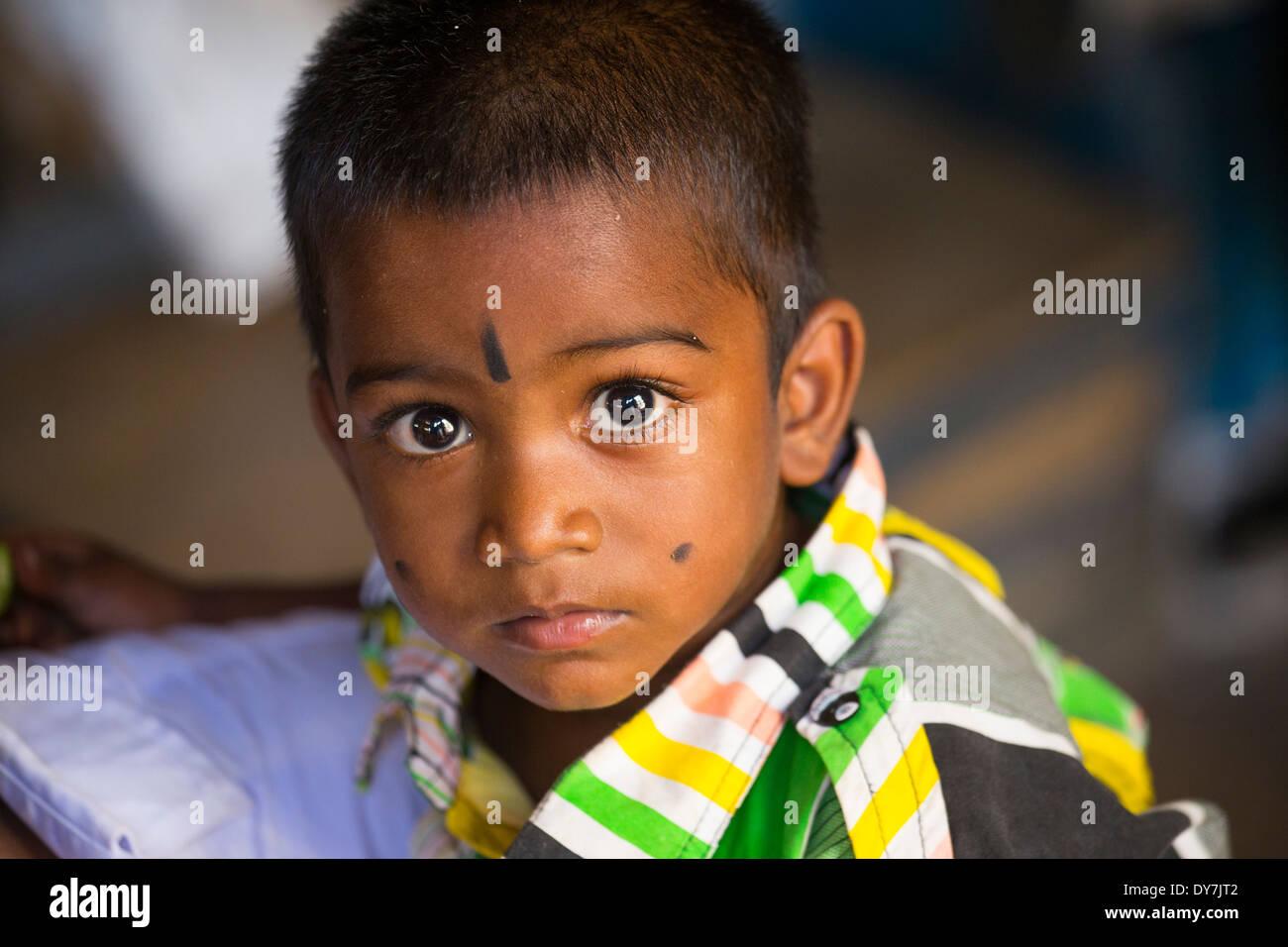 Young Hindu boy in Madurai, Tamil Nadu, India - Stock Image