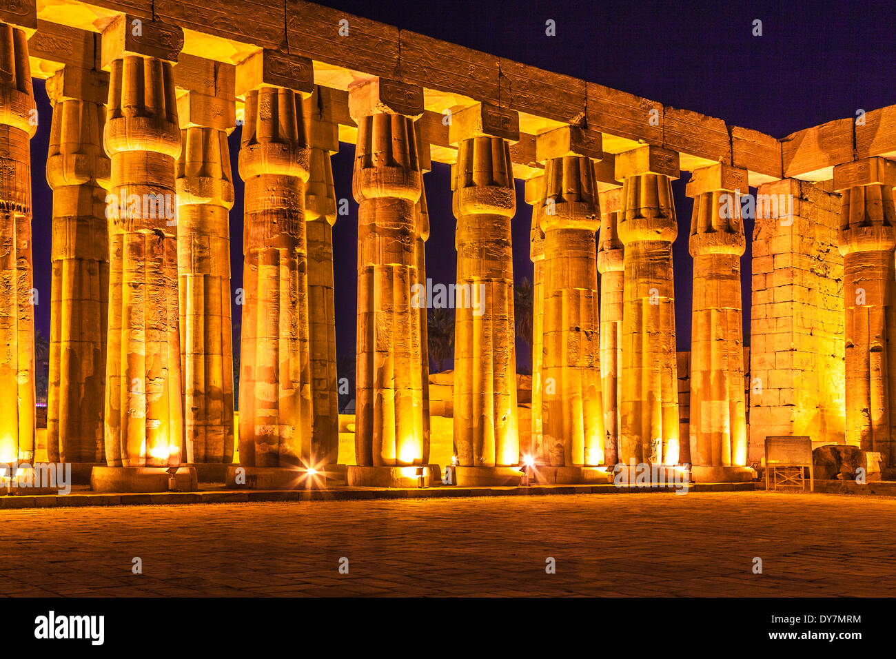 The great hypostyle hall of Amenhotep III at Luxor Temple. - Stock Image