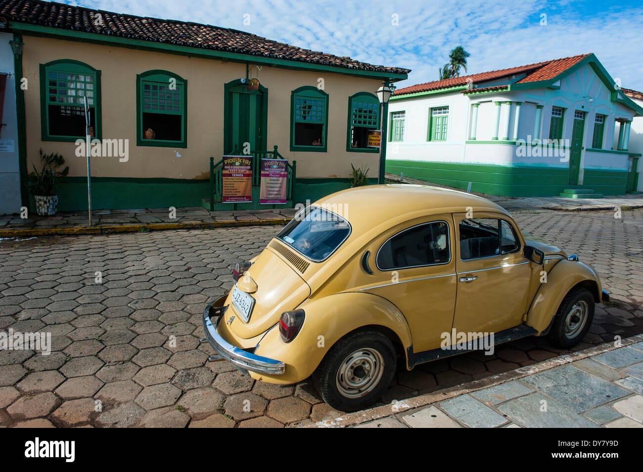Old Volkswagen Beetle, Pirenópolis, Goiás, Brazil - Stock Image