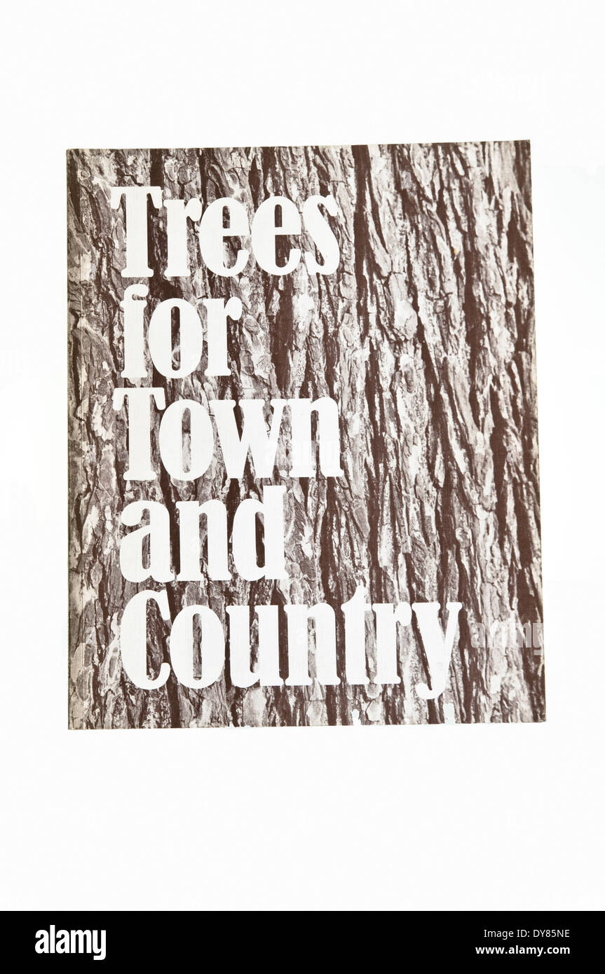 Trees for Town and Country - A comprehensive selection of trees suitable for general cultivation in Britain by Brenda Colvin. - Stock Image