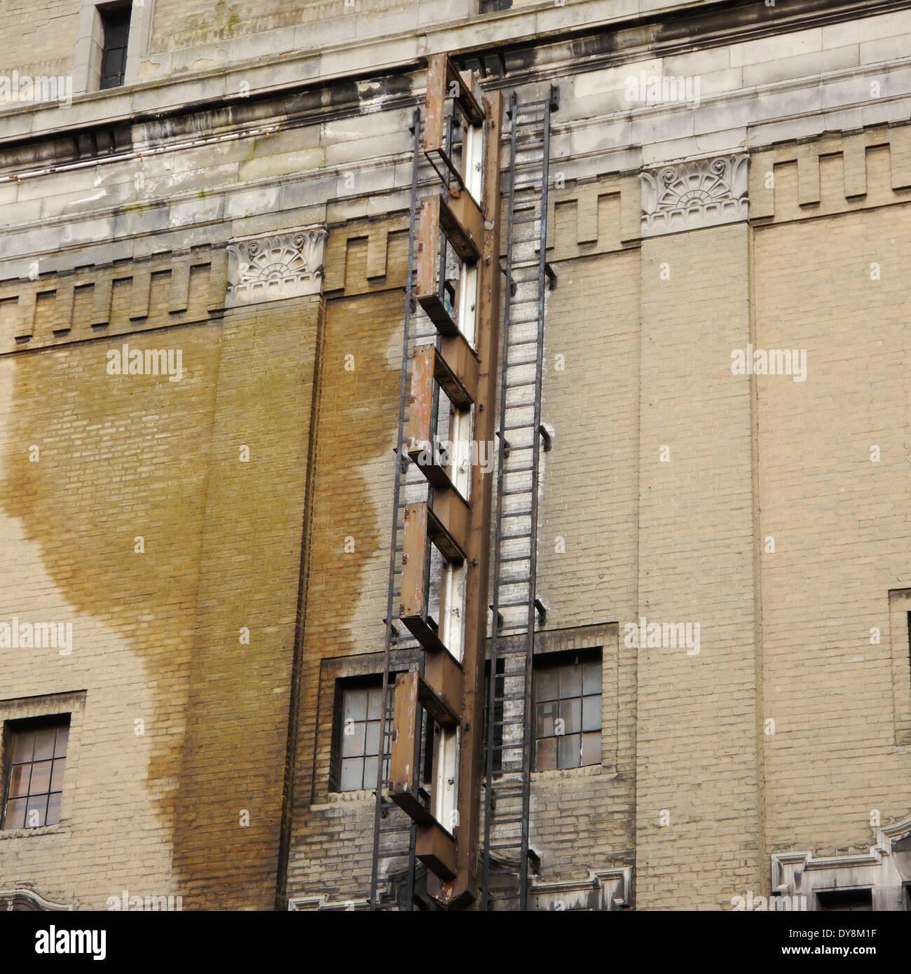 Abandoned Buildings Newcastle Uk: Derelict Abandoned Cinema Stock Photos & Derelict