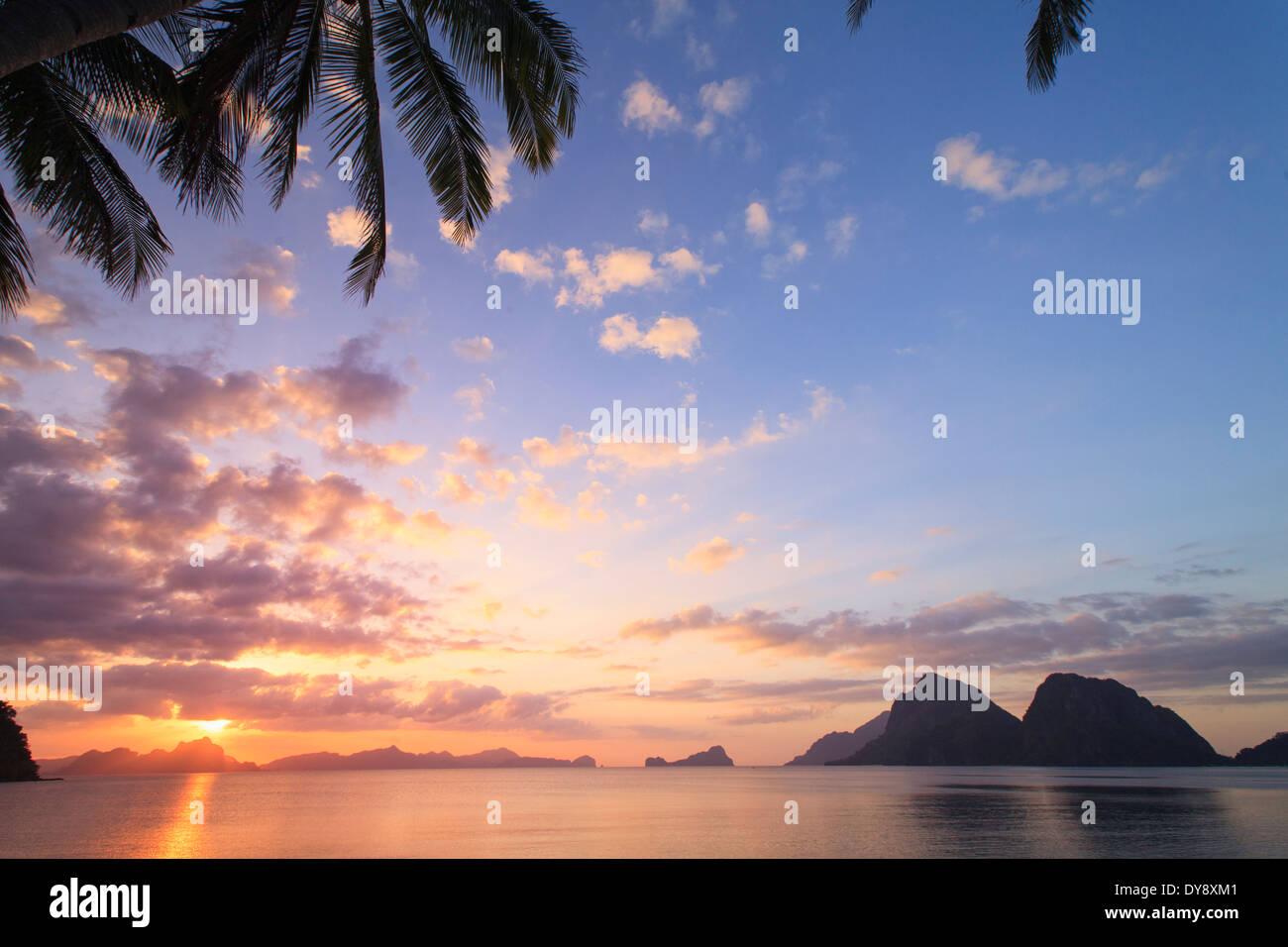 Philippines, Palawan, El Nido, Bay, Marimegmeg Beach (Las Cabanas Beach) - Stock Image